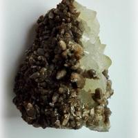 Calciet op Bergkristal